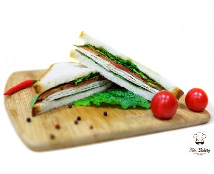 Сэндвич с курицей и майонезом